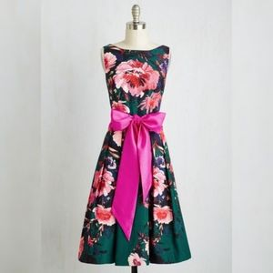 NWT Eliza J floral fit and flare dress - US 4